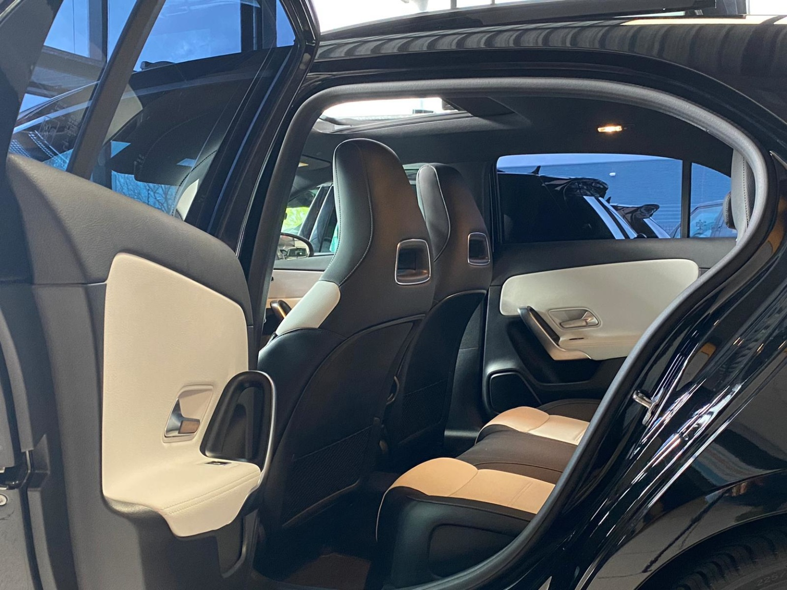Mercedes-Benz-A-Klasse-12