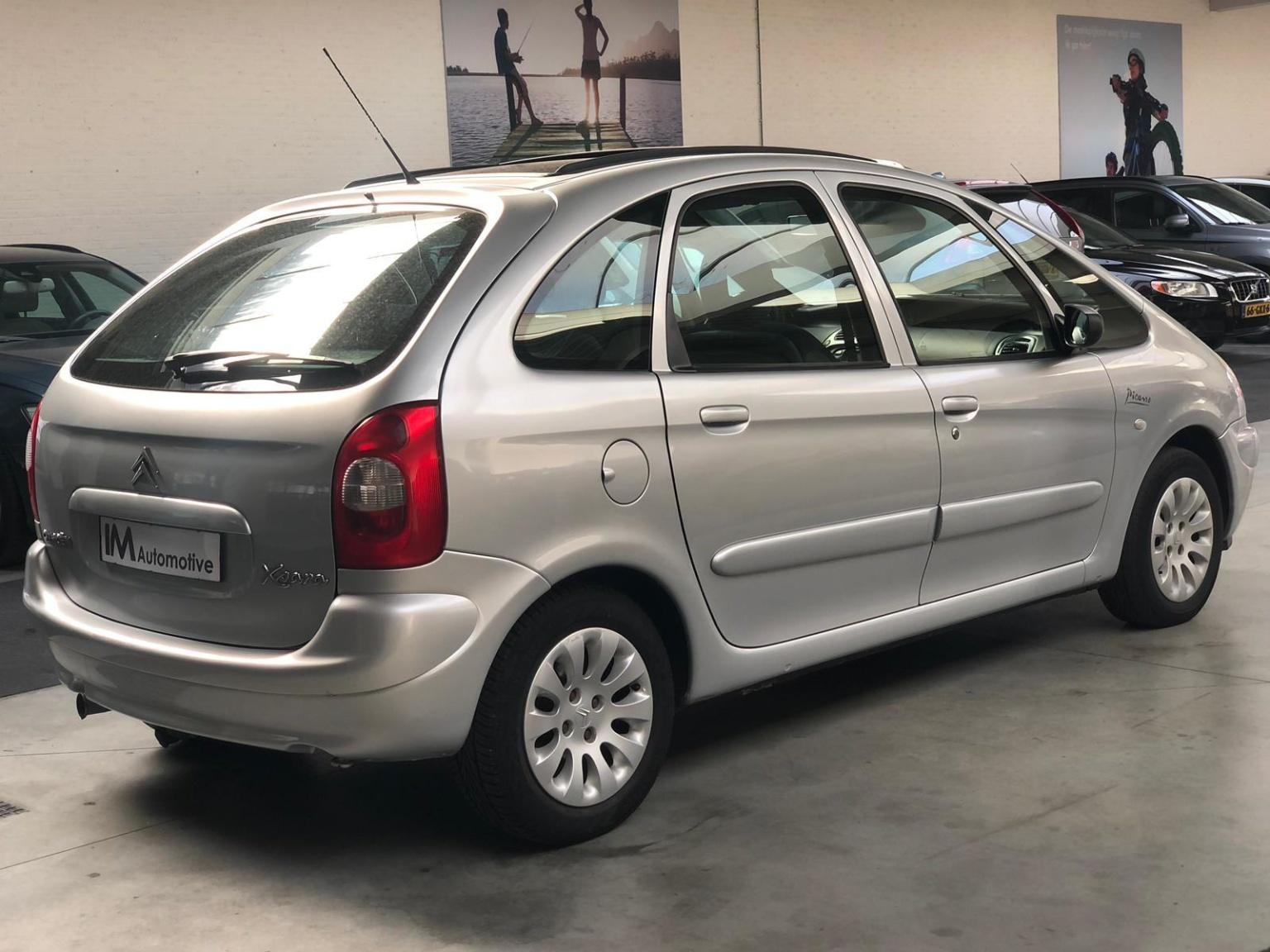 Citroën-Xsara Picasso-21