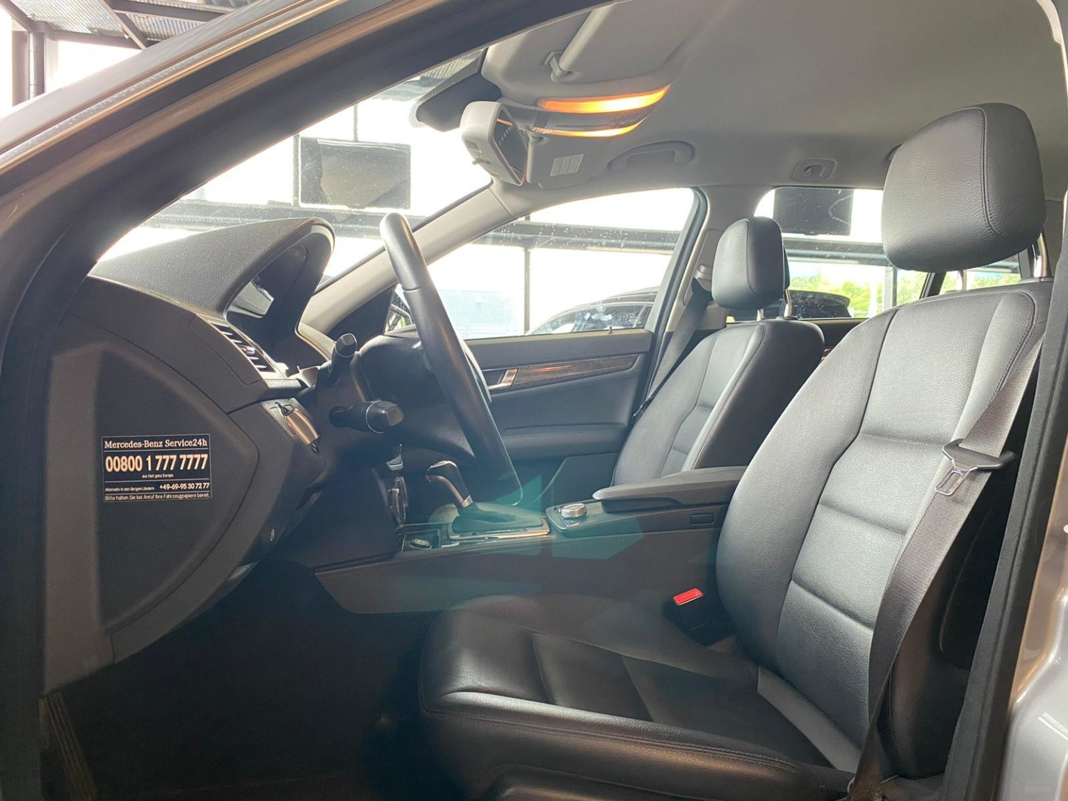 Mercedes-Benz-C-Klasse-8
