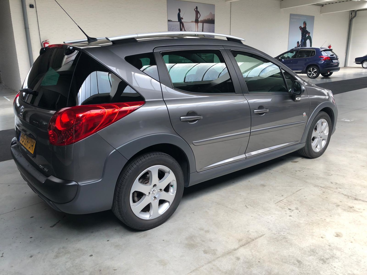 Peugeot-207-6