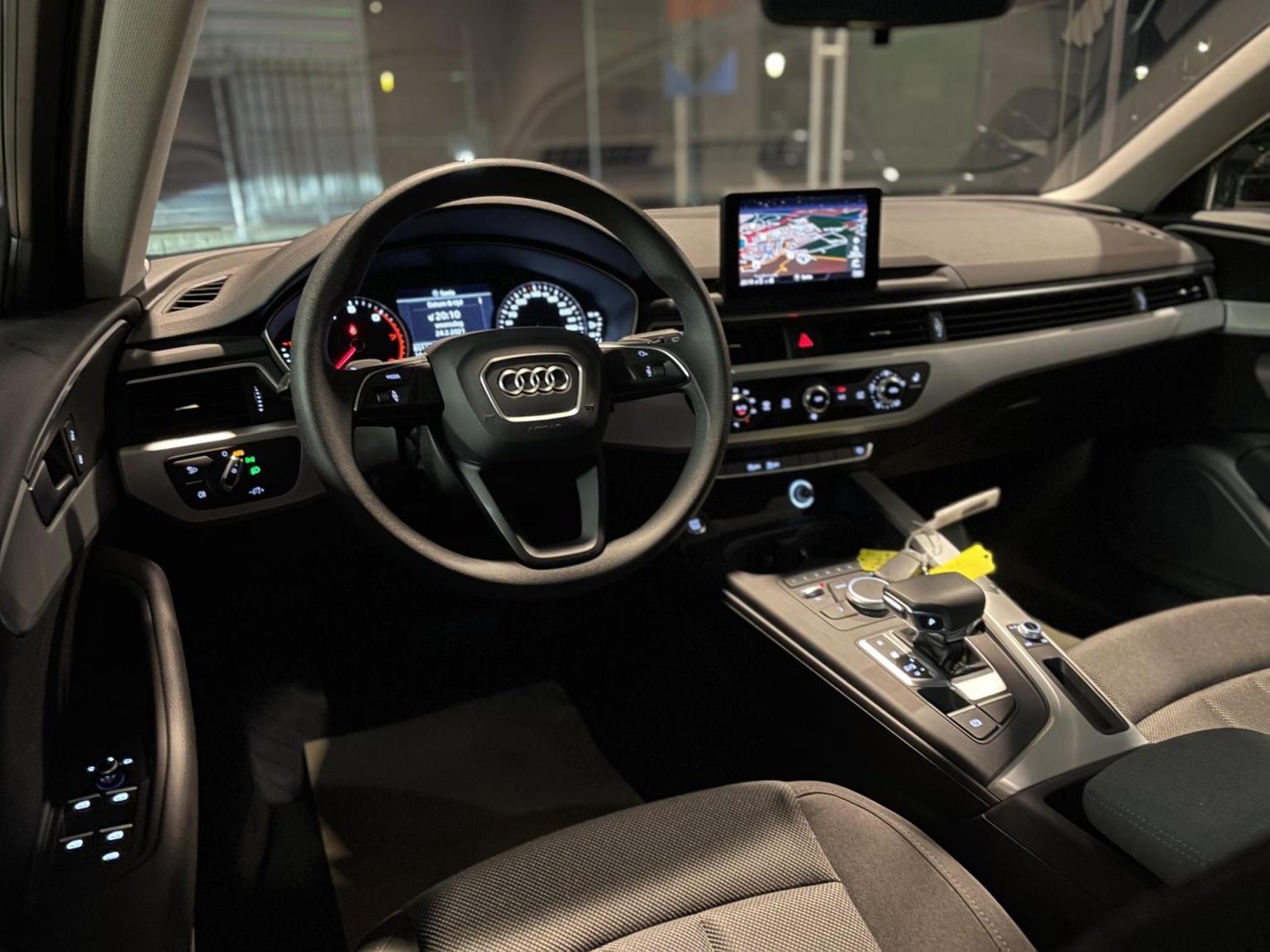 Audi-A4-17