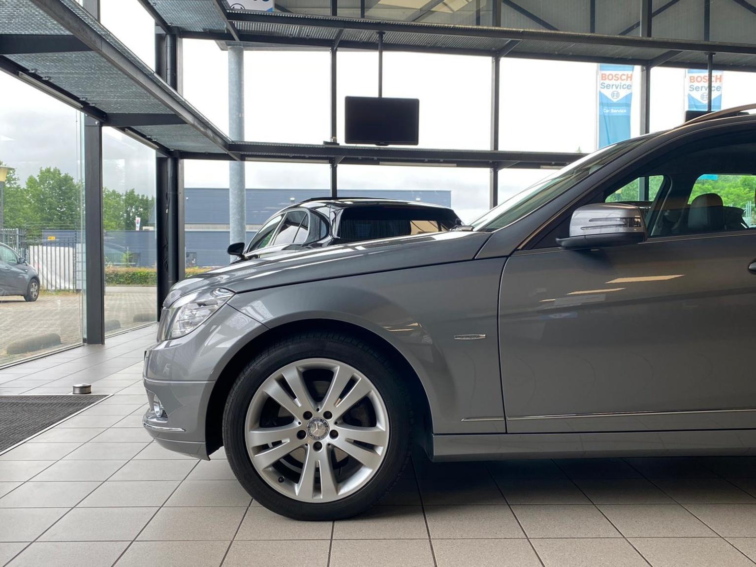 Mercedes-Benz-C-Klasse-3